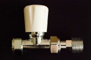 Picture of a 180° wheelhead radiator valve.
